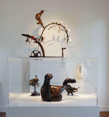 Bêtes de scène à la Villa Datris - Cabinets de curiosité -02
