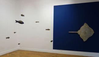 Ugo Rondinone - Primordial, 2016 et Laurent Grasso - Electric Ray, 2018 - Bêtes de scène à la Villa Datris - Cabinets de curiosité