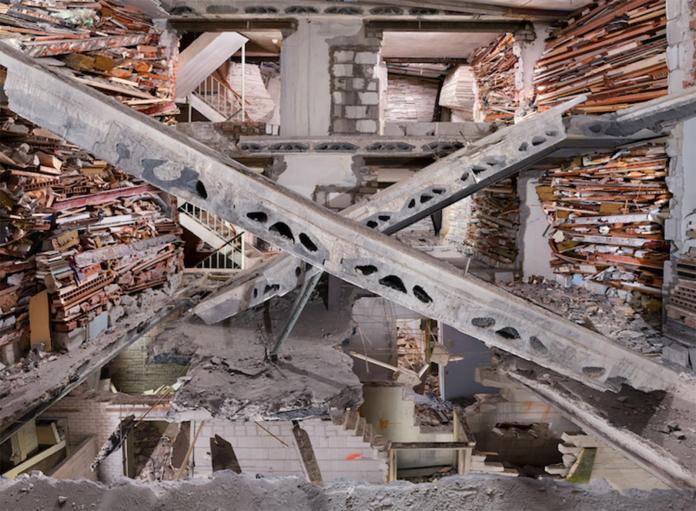 Marjan Teeuwen, Destroyed House Op Noord 5, 2014