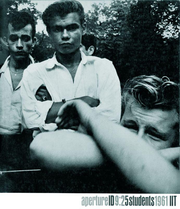 Joseph Sterling The age of adolescence, Couverture de la revue Aperture 9:2, 1961 © The Estate of Joseph Sterling / Aperture