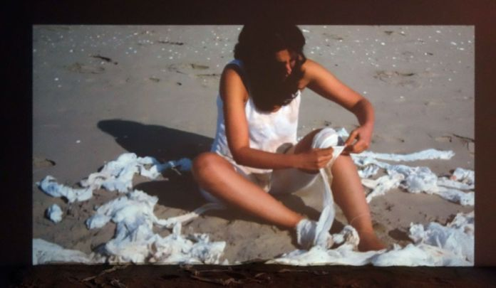 Parya Vatankhah - Je me soigne, tu te soignes, il se soigne, nous allons mourir, 2019 - Les Instants Vidéo à la Friche