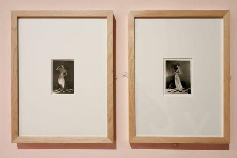Man Ray - Peggy Guggenheim dans une robe de Poiret, 1924 - Man Ray, photographe de mode - Musée Cantini - Bals, extravagances et célébrités