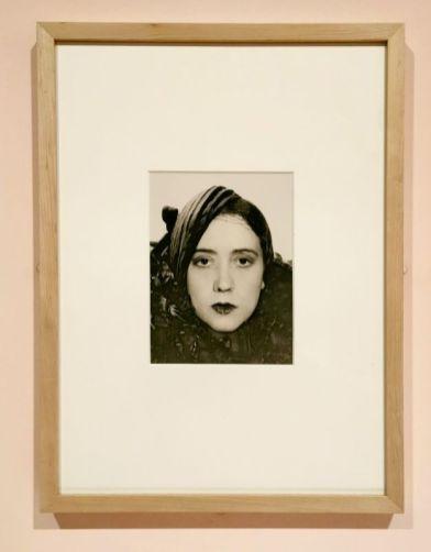 Man Ray - Portrait de femme, sans date - Man Ray, photographe de mode - Musée Cantini - Du portrait à la photographie de mode