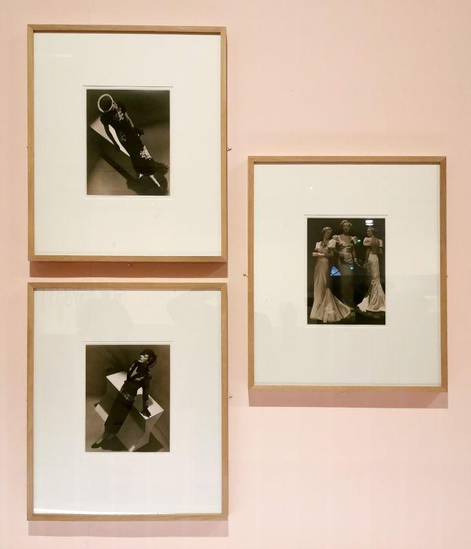 Man Ray - Robes du soir et tailleur Elsa Schiaparelli, 1936 - Man Ray, photographe de mode - Musée Cantini - L'apogée d'un photographe de mode - Les années Bazaar