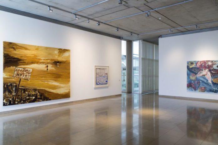 Accrochage 2020 de la collection à Carré d'Art - Salle 3- Enzo Cucchi, Francesco Clemente, Martin Disler, Photo (c) C. Eymenier