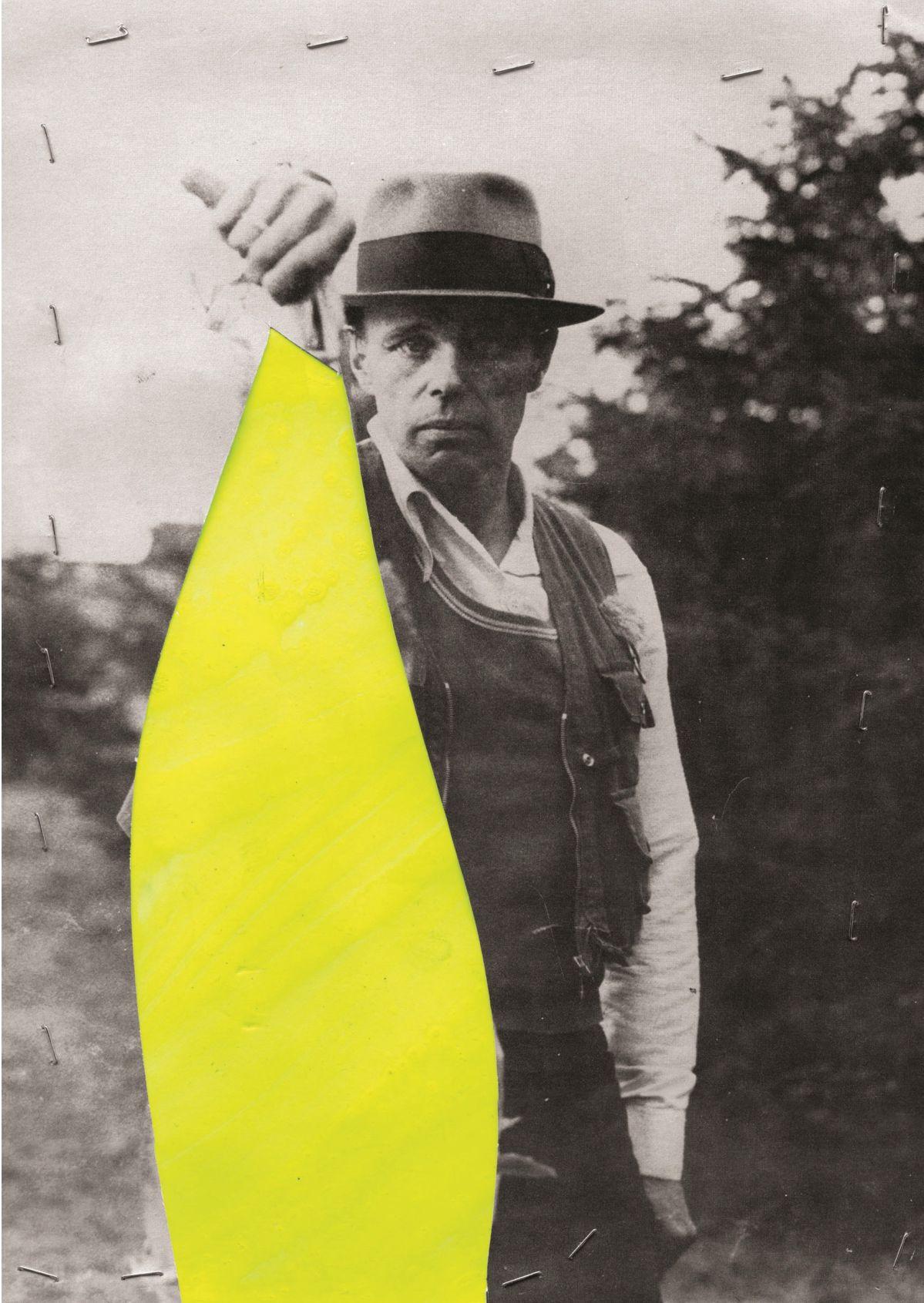 Georges Autard - La forme informe (0191), 2019, découpage peinture agrafes sur photographie Beuys, non signé, encadré, 33 x 21 cm