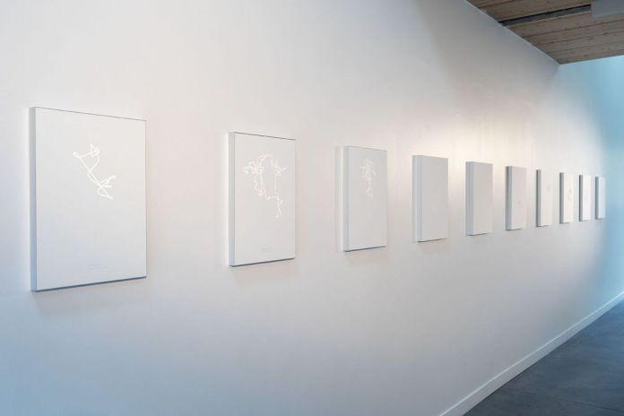 Anne-Valérie Gasc, Tectorium , Série de 10 sérigraphies, incrustation de micro-billes de verre sur BFK Rives 300gr, 2016 - Atelier Tchikebe