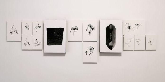 Amandine Simonnet - Suivi de chantier, 2019 et Gilles Pourtier - Black bloc, 2020 - «Does the angle between two walls have a happy ending» 27 et 33 rue St Jacques - PAC 2020 - Marseille