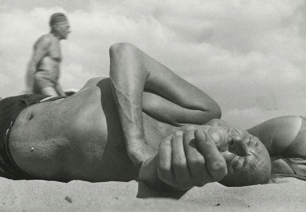 Leo Levinstein - Coney Island, 1954