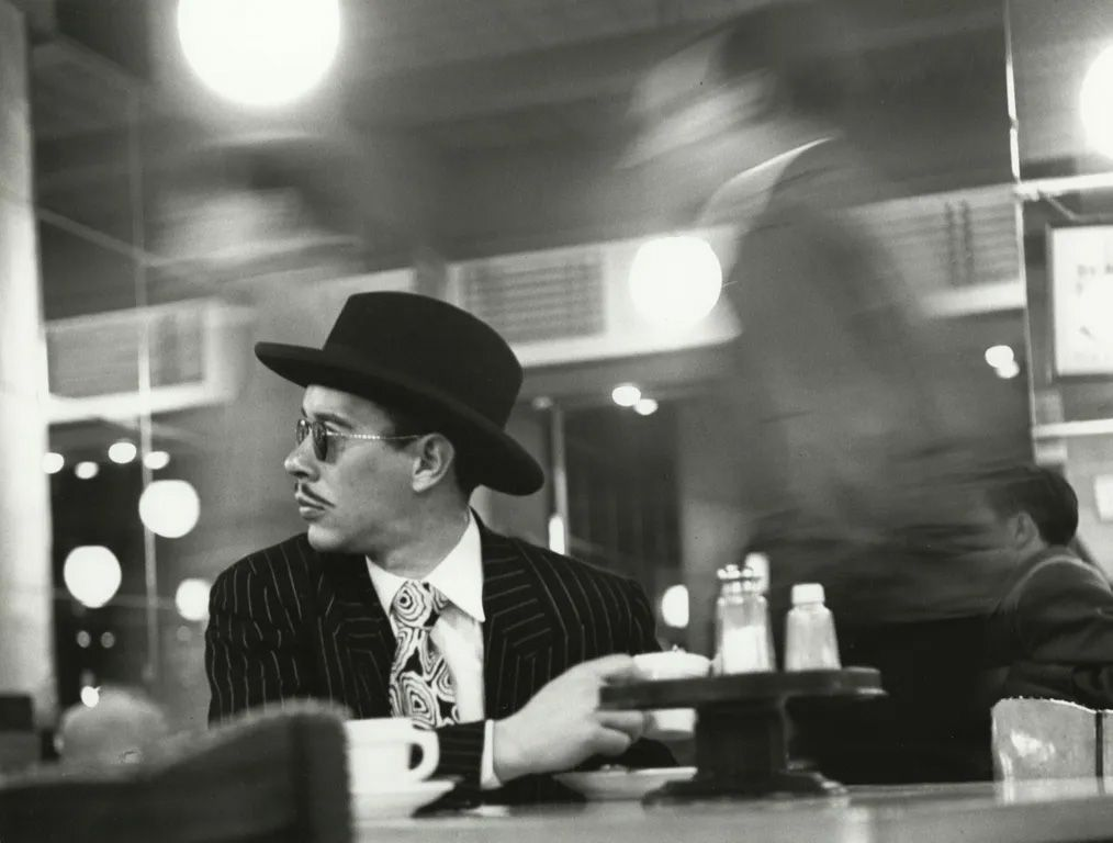 Ted Croner - Sharpie in a Cafeteria, 1946