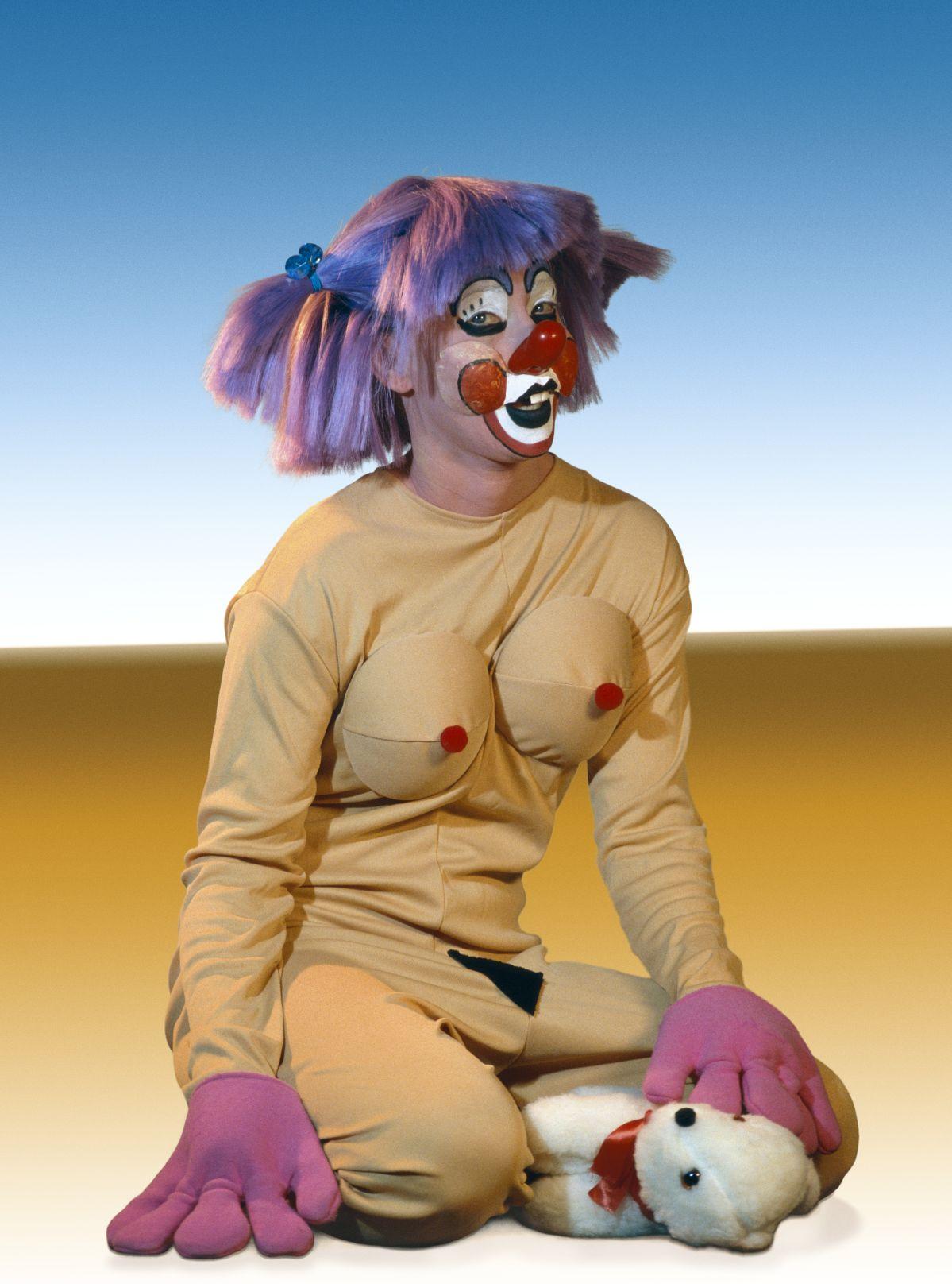 Cindy Sherman - Untitled #419, 2004 - 00s. Collection Cranford - les années 2000 au MO.CO. Montpellier C-print. 167,6 x 124,5 cm. Courtesy de l'artiste; Metro Pictures, New York; et Sprüth Magers