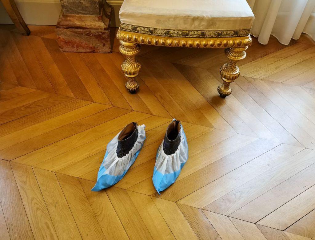 Jeanne Susplugas - Couvre-chaussures, 2018 - Pharmacopées au Musée Fabre