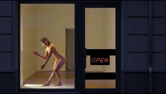 Leila Bergougnoux & Magali Benvenuti - Open, 2016 - France Les Instants Vidéo 2020 - «Mort, la vie te guette !»