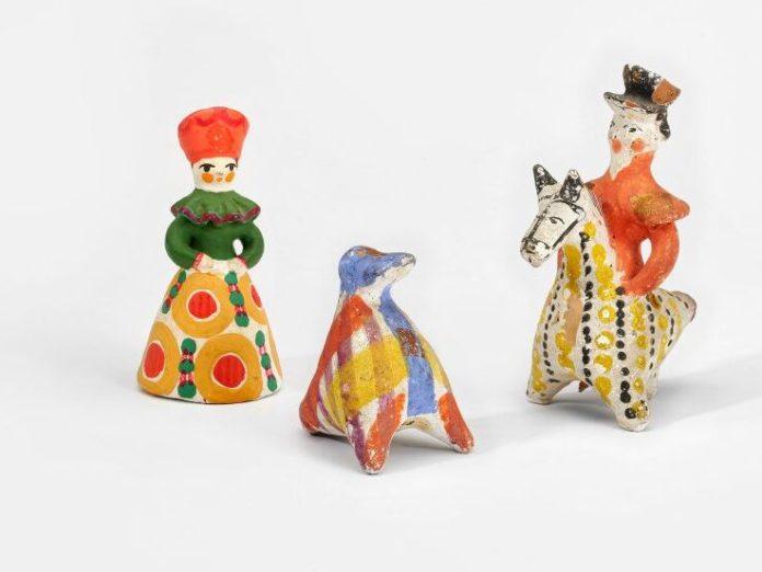 Appeaux (canard et cavalier), jouet (femme), Dymkovo, Russie © MNHN, photo Mucem Yves Inchierman