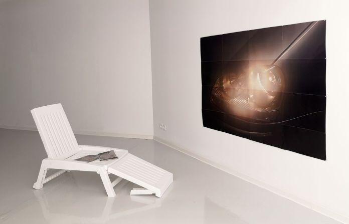 Mathias Roche - Pare-soleil, 2020 - La Relève III - Habiter au Centre Photographique Marseille