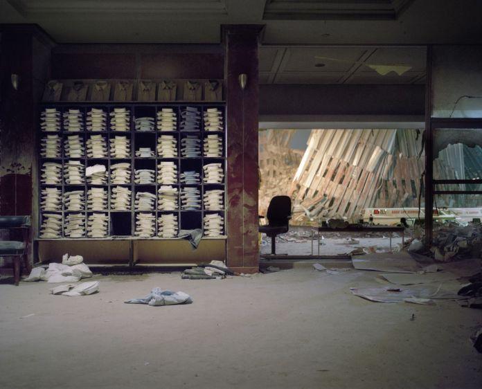 Sean Hemmerle, Magasin Brooks Brothers, World Trade Center, 12 septembre 2001, 2001 © Sean Hemmerle