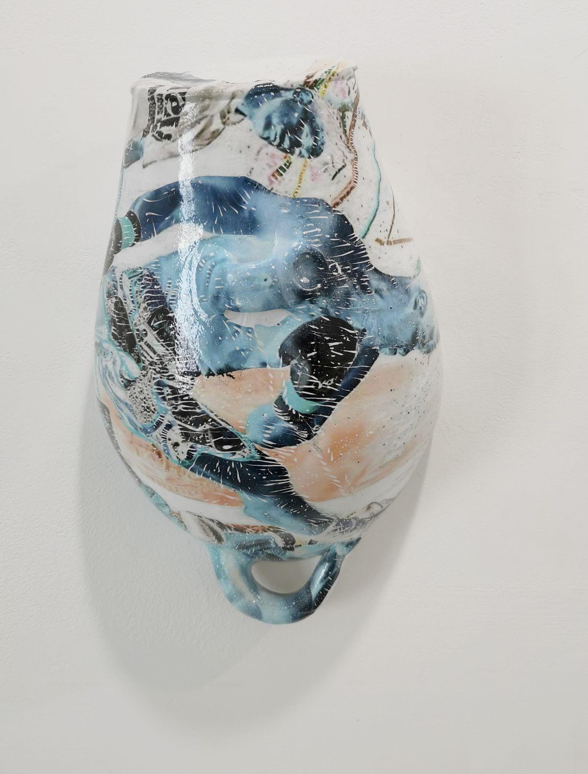 Maxime Sanchez - série de Vases en céramique hydrographiés, 2020 - «Crossover» à la Galerie Vasistas - Montpellier