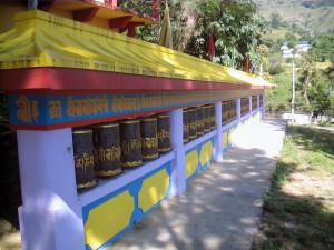 Ruote della preghiera alTashijong Gompa