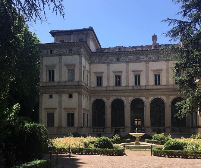 Villa Farnesina Jardín entrada