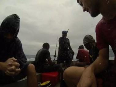 En pleine tempête après avoir quitté Reef Island