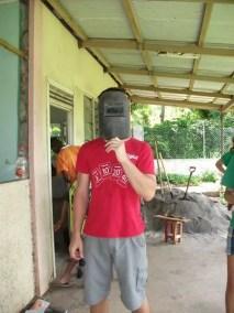 En plein travail de rénovation du centre Scout à Port Vila