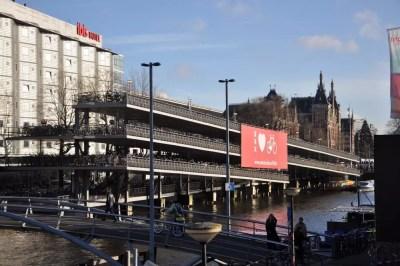Un parking a vélo géant à Amsterdam