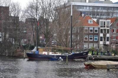 Un bateau qui attend le départ