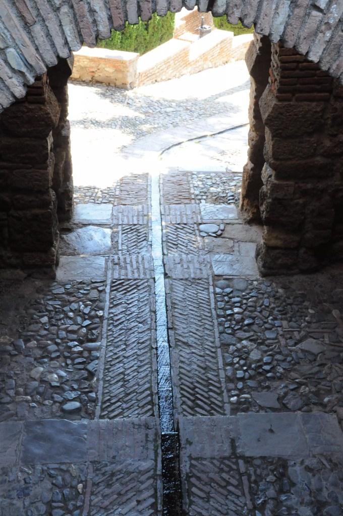 alcazaba-teatro-romano-ruisseau