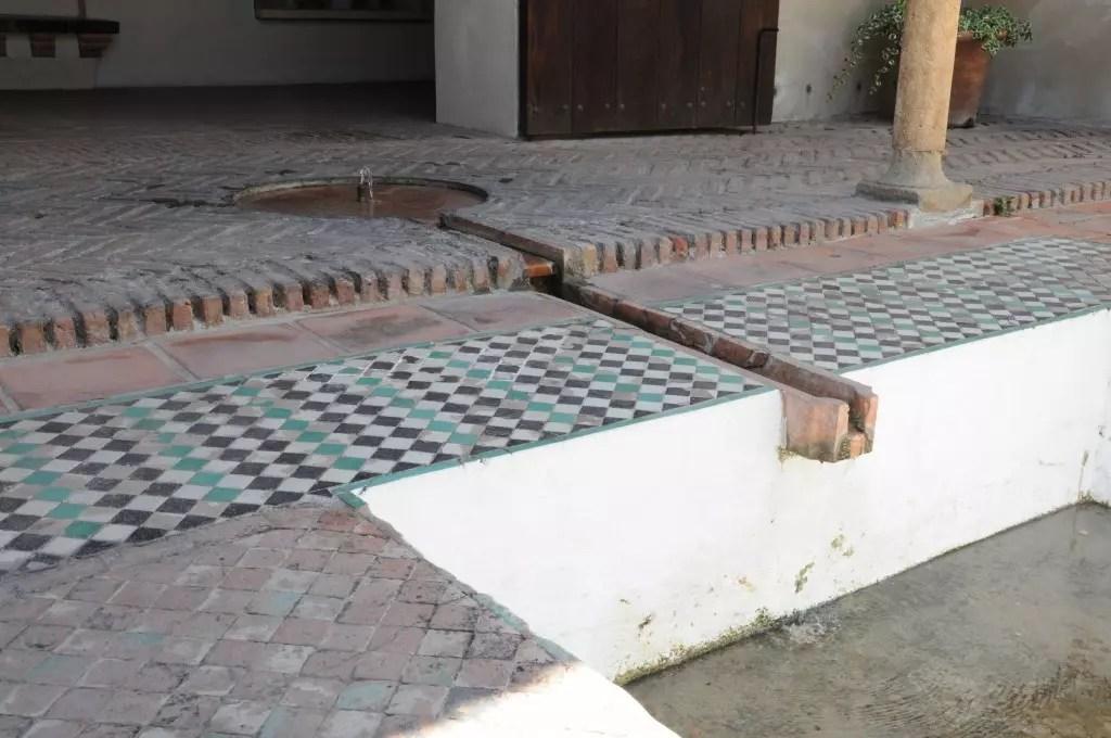 alcazaba-teatro-romano-ruisselement-eau