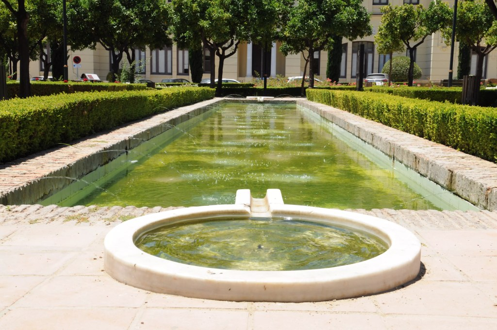 jardin-pedro-luis-alonso-roses-fontaine