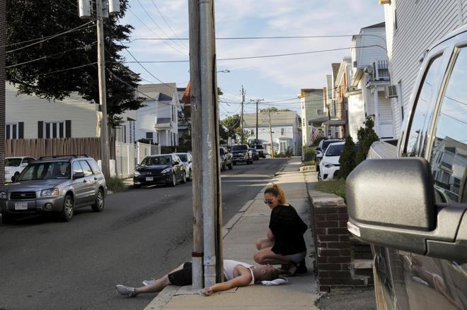 El suicidio es cada vez el arma más predilecta de los gringos para salir de su infierno...