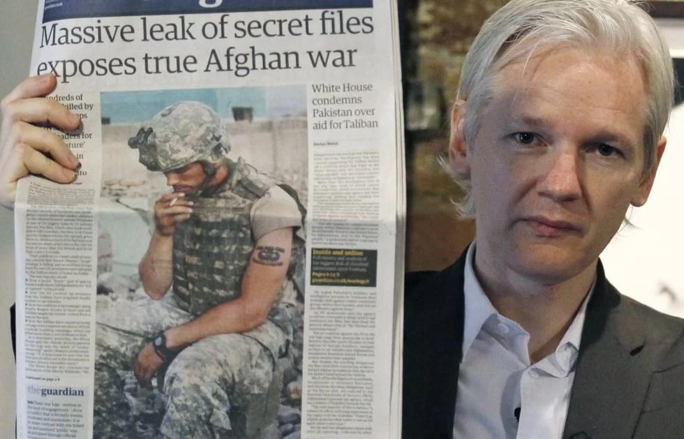 """""""Assange se encuentra en estado de shock"""""""