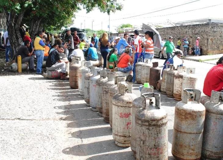 Cuidado!: GAS MÉRIDA quebrada y sin embargo sigue estafando... Cómo se permite esta vaina en revolución!...