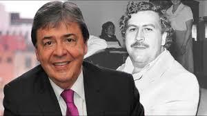 Los chulos colombianos, a millón. Miren en qué anda Carlos Holmes Trujillo...