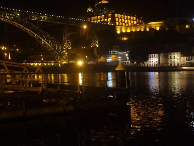 Rio Douro à noite