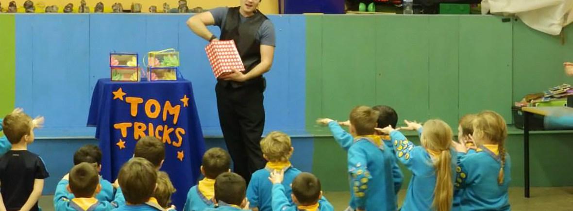 tom tricks entertains beavers cub scouts