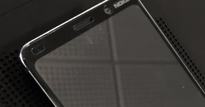 Android: Frontal image of supposed Nokia 9 leaves something to be desired
