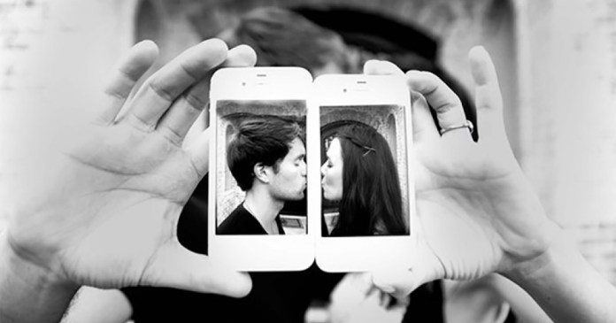Android vs iPhone. What is the impact of smartphones on love life?