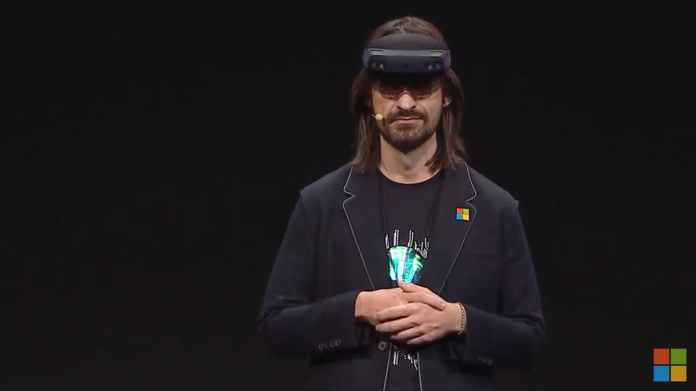 Microsoft HoloLens 2 Officers! The future has come and it is amazing!