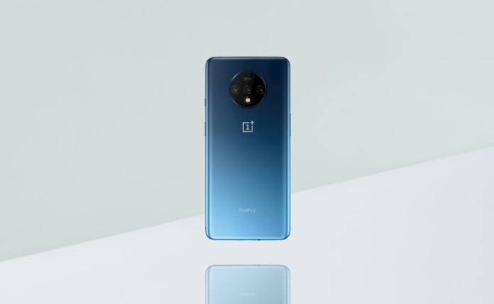 OnePlus 7T is revealed in official images before release!