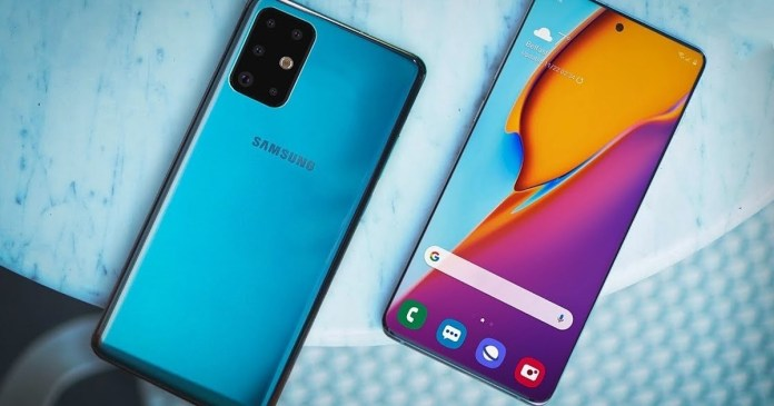 Samsung Galaxy S11: Protective glasses reveal size difference between models!