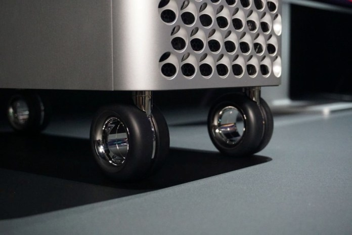 Want to put wheels on Mac Pro? Apple charges 480 euros