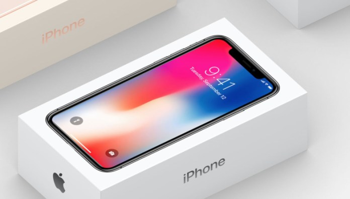 Apple iPhone X - Here's the Smartphone's First Video Unboxing