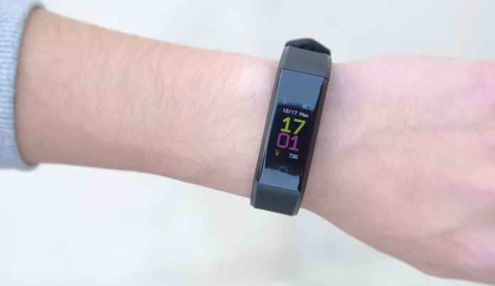 smartband competing for Xiaomi Mi Band 3