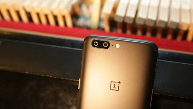 Android smartphone OnePlus 5