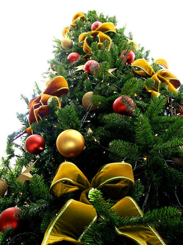 Yellow Bead Christmas Tree with Red & Gold Ornaments