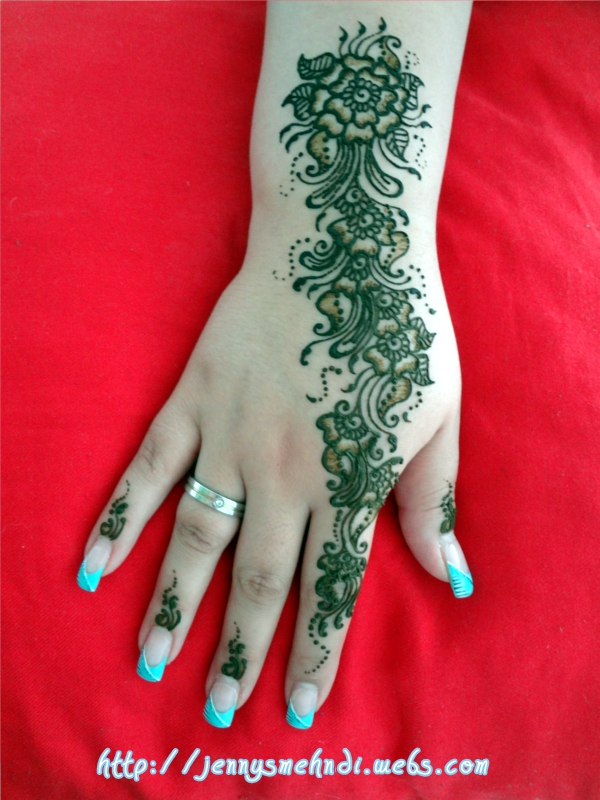 Latest Mehndi Design on hands