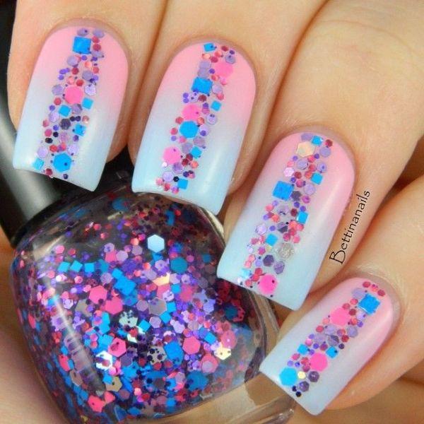 Glittery summer nails