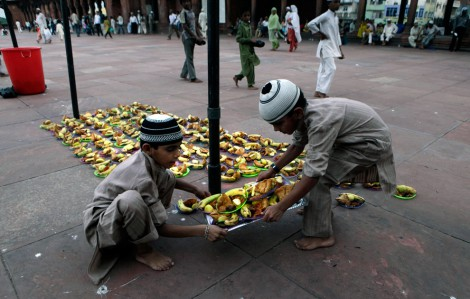 Children Preparing Ramadan Iftari