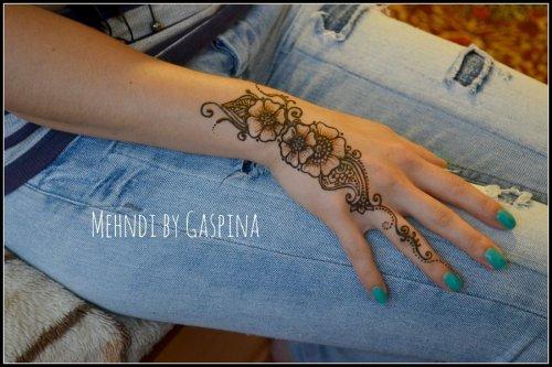 Floral Henna Designs 4